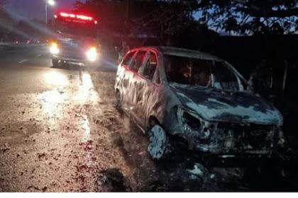 Mobil Pemudik Asal Demak Terbakar Sidoarjo