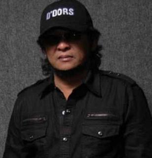 Download Lagu Mp3 Terbaik Dedy Dores Paling Populer dan Hits Sepanjang Masa Full Album Lengkap