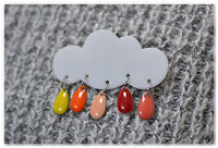 broche nuage et gouttes jaune orange rouge saumon