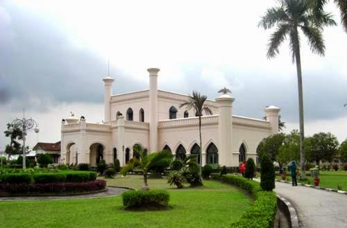 Istana Kesultanan Siak Riau