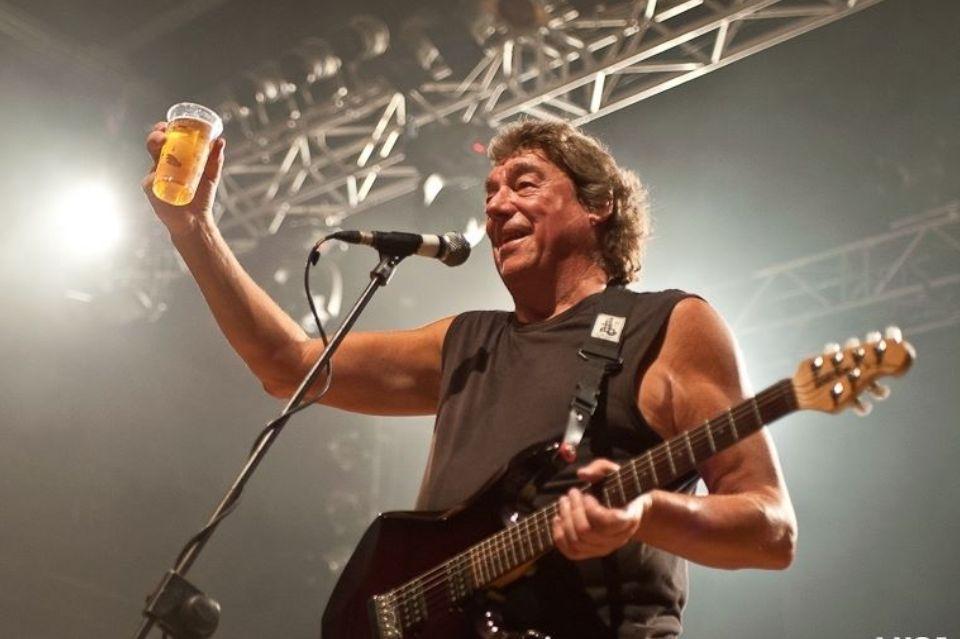 Dennis Stratton comenta indicação do Iron Maiden ao Rock and Roll Hall of Fame