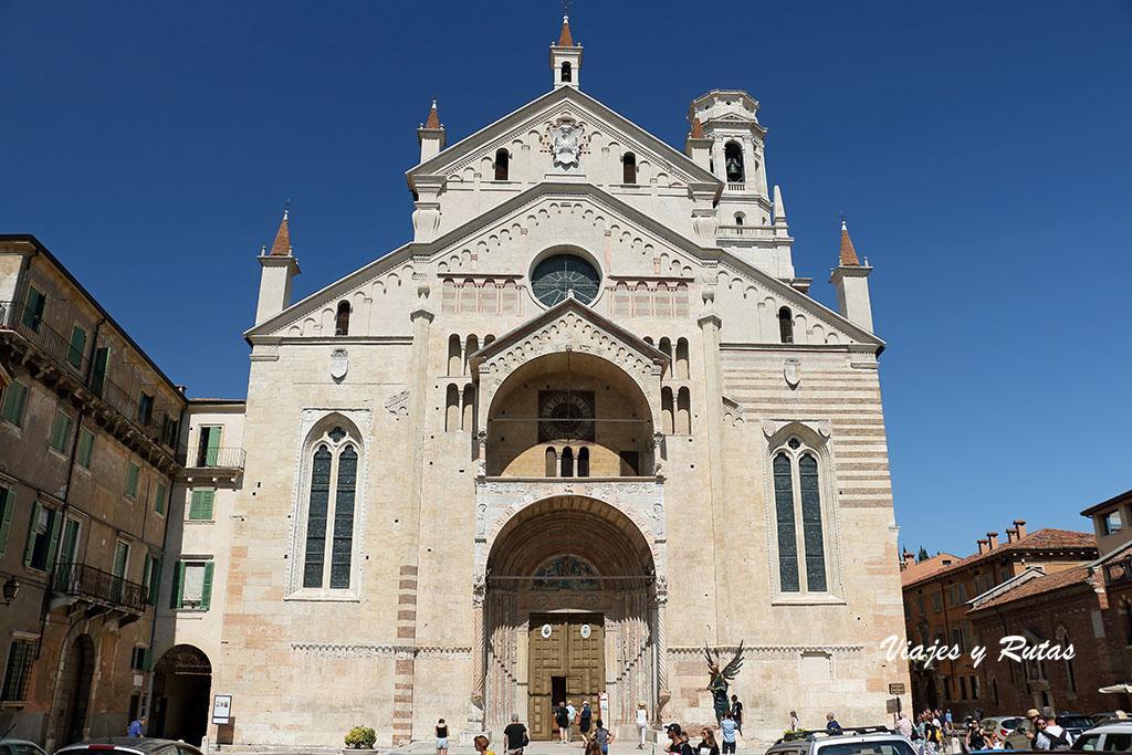 Fachada del Duomo de Verona