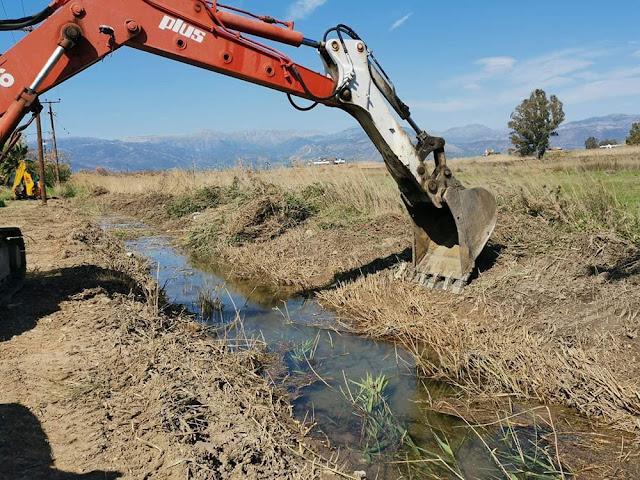 Ναύπλιο: Εργασίες καθαρισμού στο ρέμα Γλυκειάς από την Περιφερειακή Ενότητα Αργολίδας