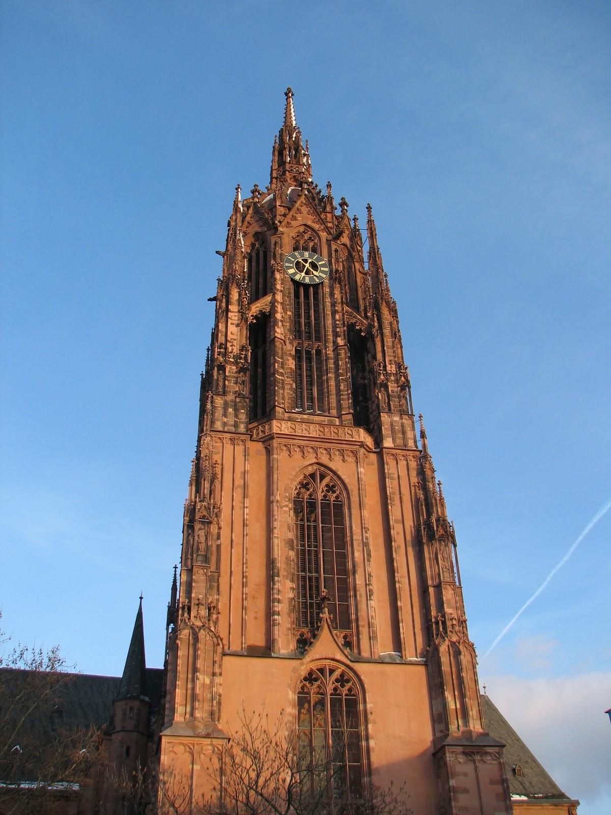 Frankfurt Katedrali: turistler için tarih ve bilgi