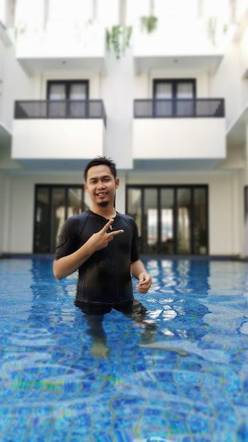 kolam renang bangka suite