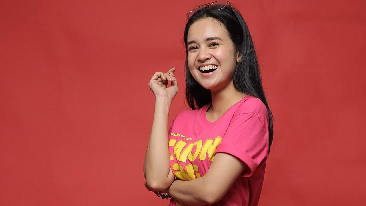 Artis FTV Baju kaos Pink Michelle Ziudith