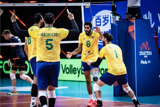 Brasil comemora ponto em partida contra Países Baixos