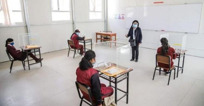 El 45% de colegios estarían habilitados para iniciar clases semipresenciales, afirmó el Ex Ministro de Educación, Daniel Alfaro