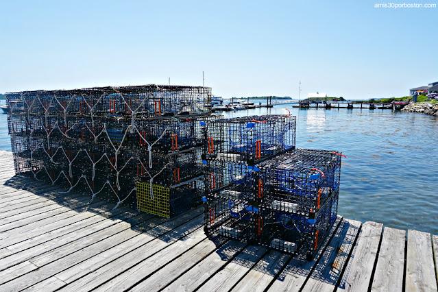 Trampas de Langostas en Erica's Seafood & Lobster Shop en Harpswell, Maine