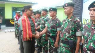 Satgas Pamtas Yonif R 142/KJ Mendapat Kunjungan Kepala Staf Kogasgabwilhan II di Daerah Penugasan
