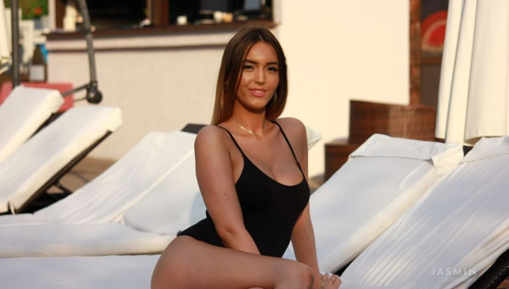 JessicaAideen Model GlamourCams