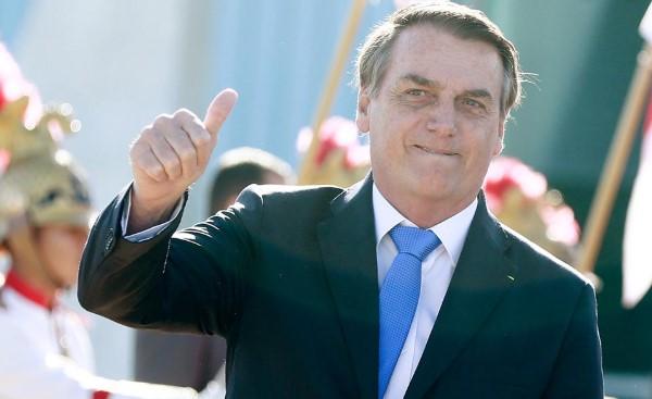 Bolsonaro afirma ter que passar cirurgia por hérnia no abdômen