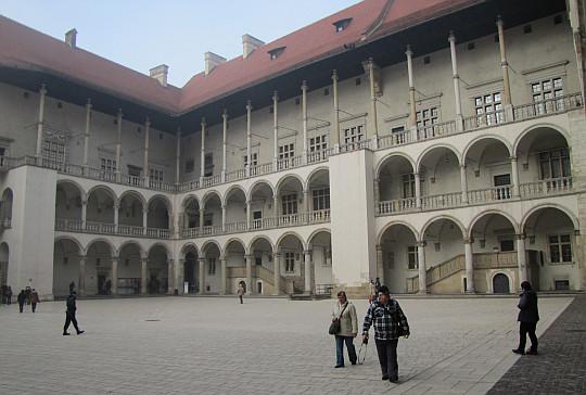 Dziedziniec Zamku Królewskiego na Wawelu.
