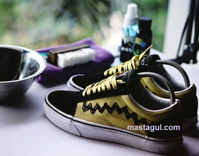 Peluang Usaha Cuci Sepatu dan Cara Memulainya
