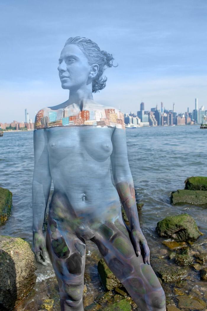 Каково это, когда тело рисуют у великолепного озера?