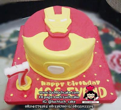 Iron Man Fondant Cake