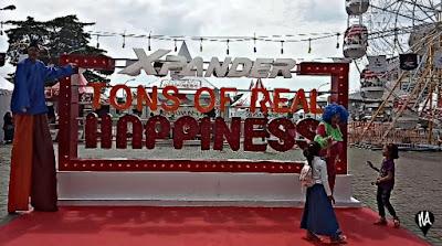 Menemukan Kebahagiaan di Tons of Real Happiness