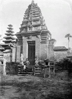 Candi pemesuan Peninggalan Kerajaan Bali