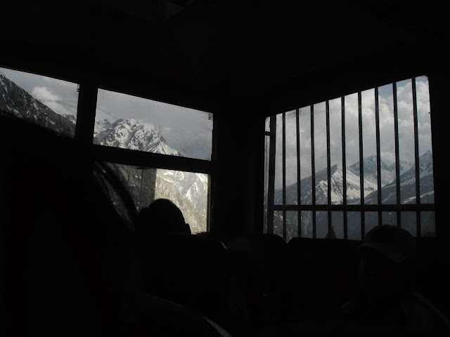 road trip srinagar to leh ladakh bus