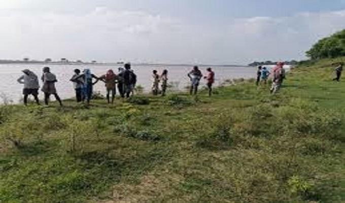 गाजीपुर जिले में गंगा का जलस्तर प्रति घंटा 6 सेमी की रफ्तार से बढ़ रहा, सहमे तटवर्ती