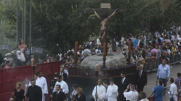 La Hermandad Universitaria de Córdoba modifica su itinerario de ida a la Catedral