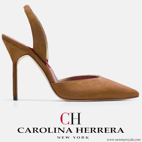 Queen Letizia wore Carolina Herrera High-heel slingback pumps