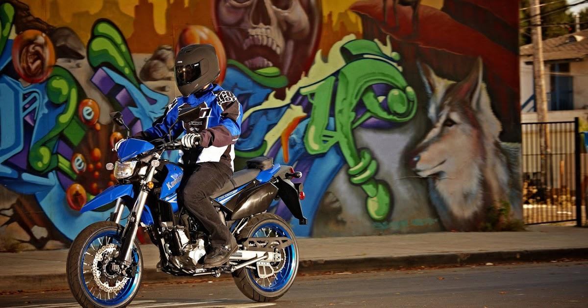 Kawasaki KLX 250 SF Supermoto 2010 Blue Action