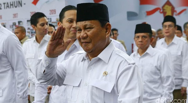 Indo Barometer: Suara Jokowi Akan Banyak Lari ke Prabowo pada Pilpres 2024