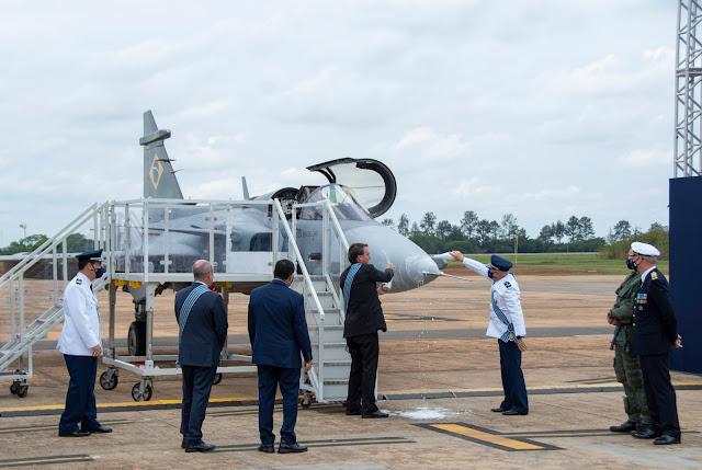Gripen é oficialmente apresentado no Brasil em Semana da Asa, Dia do Aviador e dia da Força Aérea   É MAIS QUE VOAR