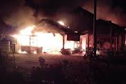 Tiga Ruko Milik M.H. Yusuf Di Tangse Hangus Dilalap Api