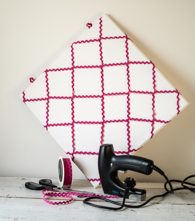 fim.works | Fotografie. Wortakrobatik. Wohngefühl. | DIY: eine schnell gemachte Valentins-Pinnwand