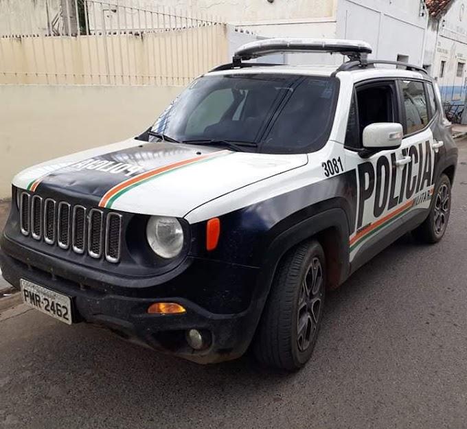 Mucambo-CE: Polícia cumpre mandato de busca e apreensão contra três menores suspeitos de vários delitos.