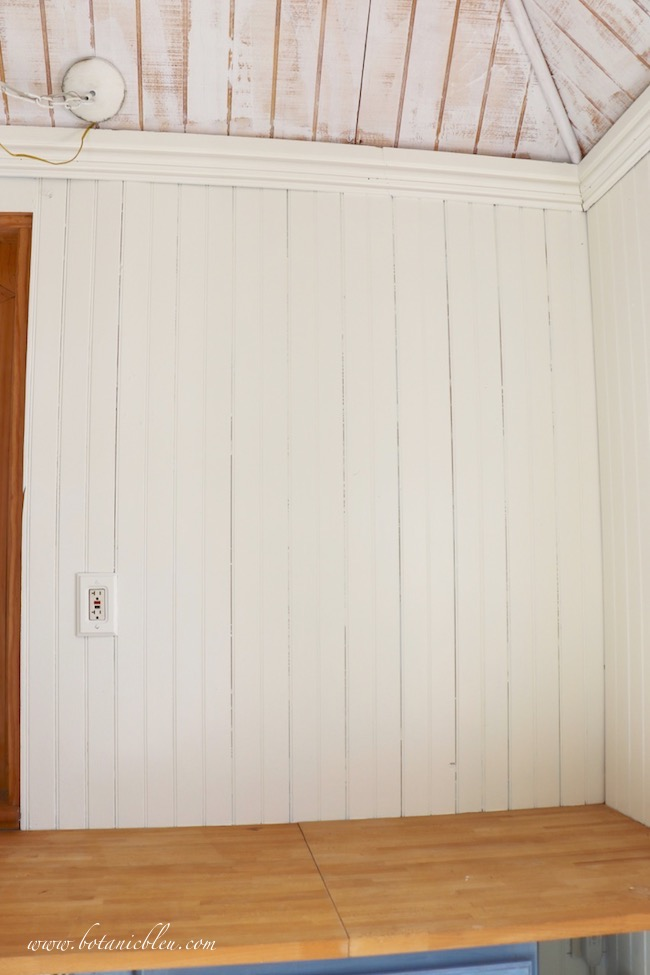 Apply a primer paint to walls even for pale-colored walls