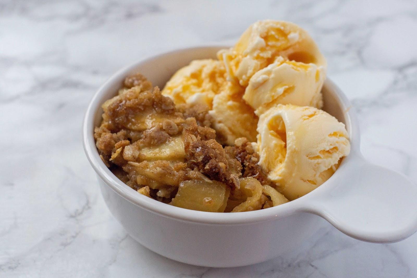 The Very Best Easy Apple Crisp Recipe