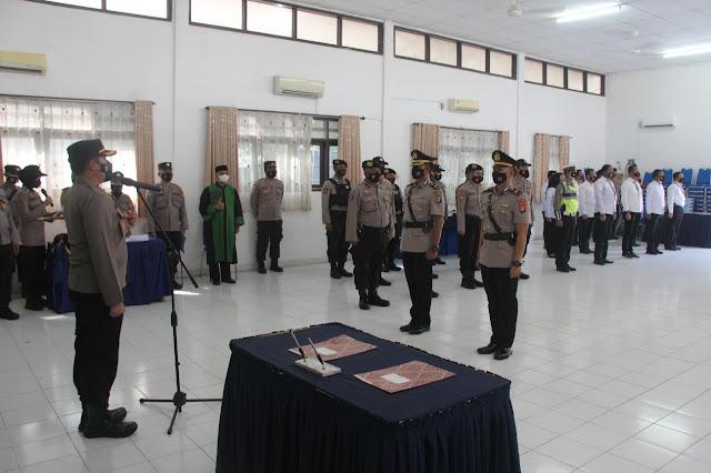 KOMPOL. Ahmad Budi Martono, Serah Terimakan Jabatan Kabagops Polres Kotim Kepada AKP.Zaldy Kurniawan