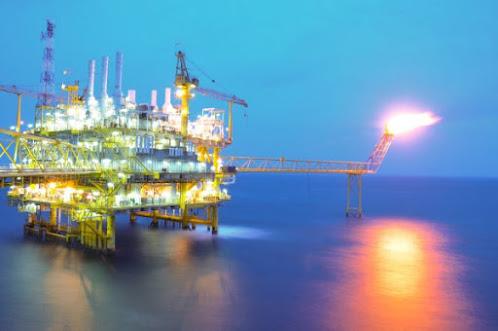 Proses pembakaran Gas Buang Flare Stack pada Perusahaan Industri