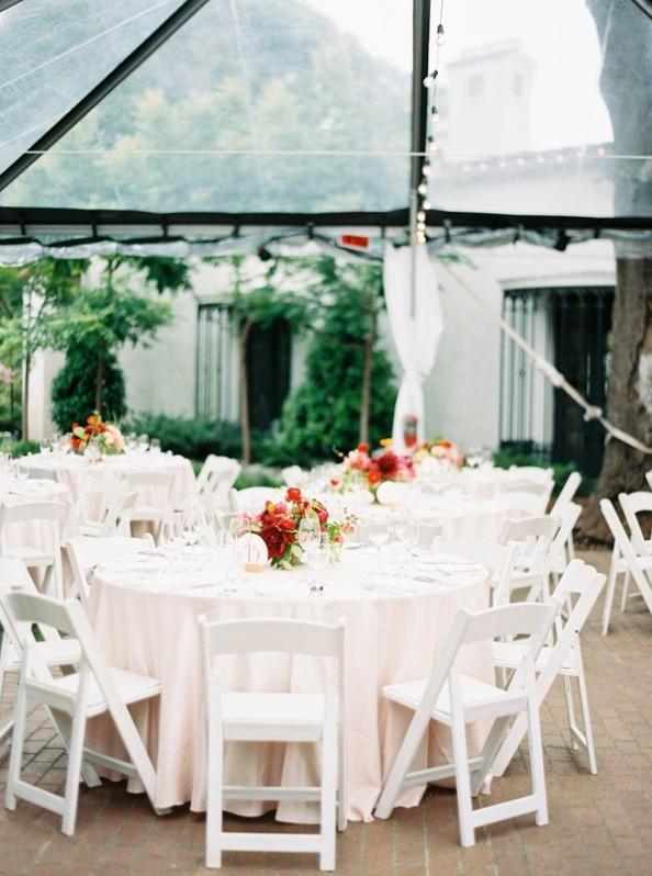 banquete de boda bajo carpa transparente chicanddeco