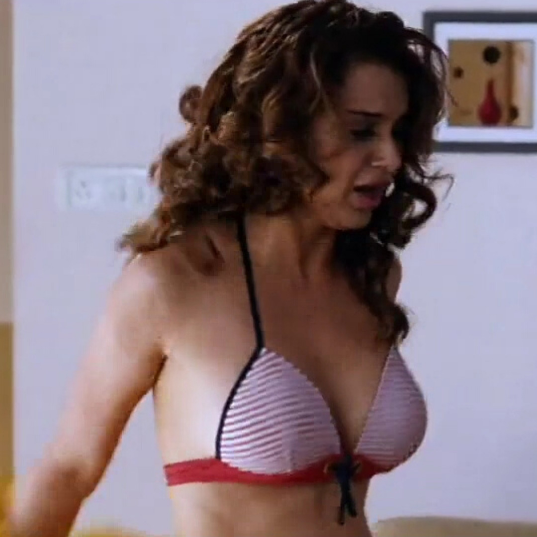 Kangana Ranaut hot in bikini