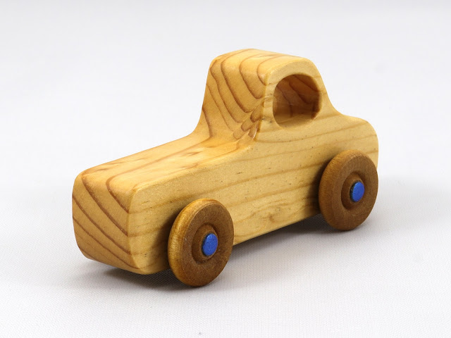 Handmade Wooden Toy Truck Play Pal Pickup Pocket Size Toy Figured Grain Pine