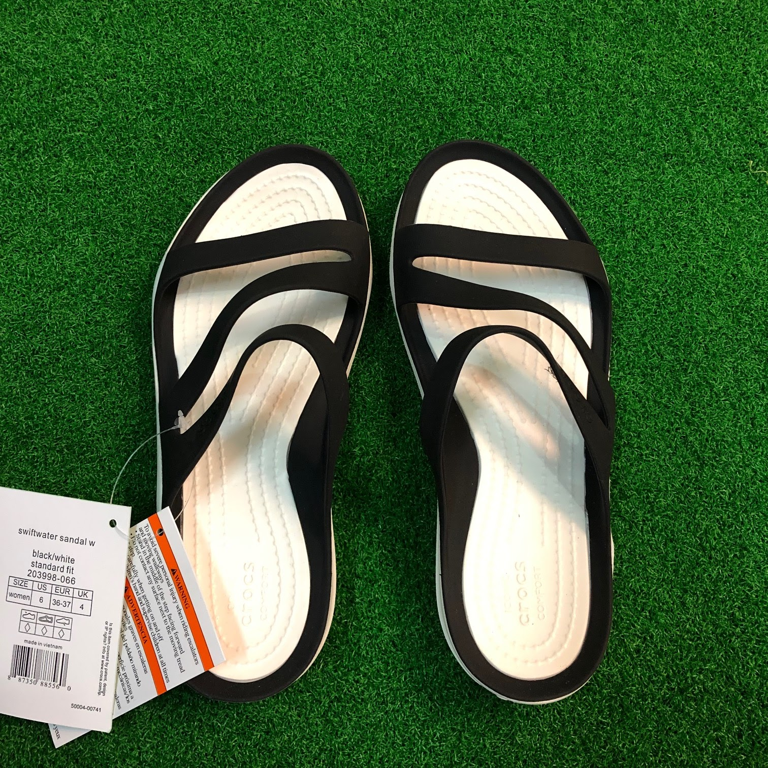 Women Crocs Swiftwater Sandal 203998-066 Black White 100/% Authentic Brand New