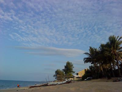 Cik tom suka tengok pemandangan cantik di Pantai Rusila