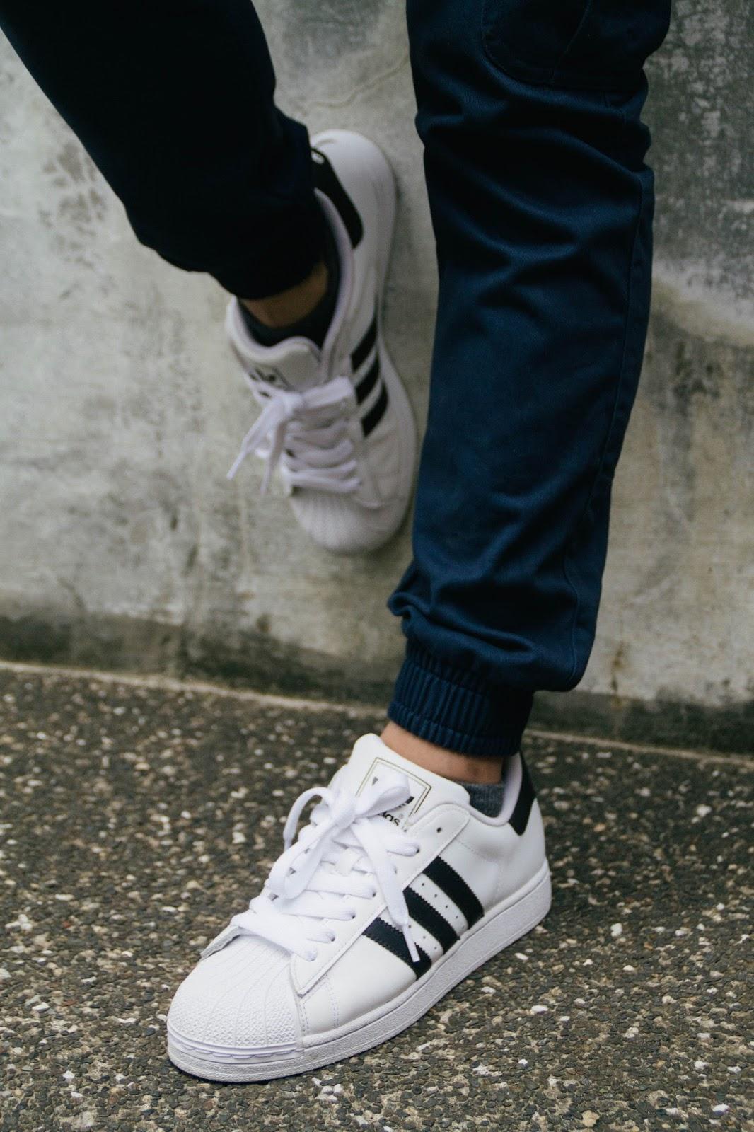 b694d0307da adidas superstar joggers