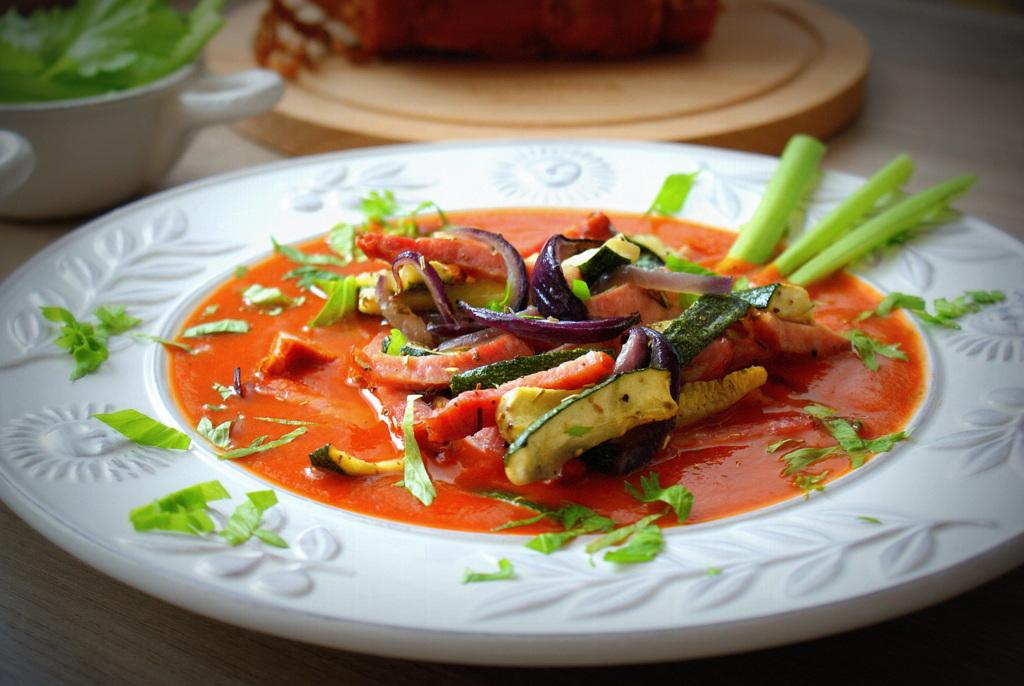 Z Kuchni Do Kuchni Krem Pomidorowy Z Frytkami Z Cukini I