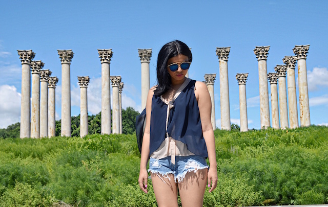 United States National Arboretum, Mari Estilo Wearing: Shorts/Pantalones cortos: SheIn Blouse/Blusa: Macy's Bag/Bolso: Coach Shoes/Zapatos: Shoedazzle