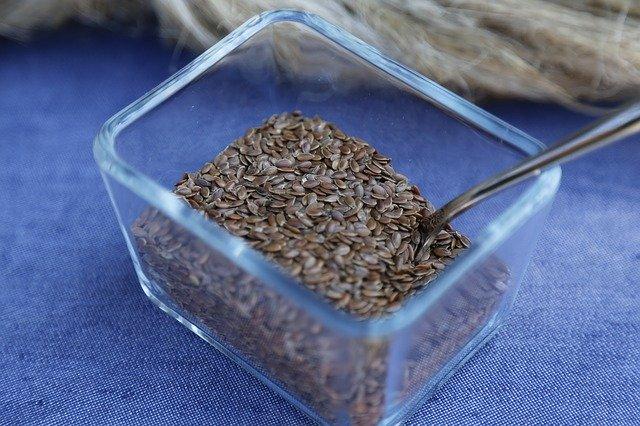بذور الكتان او حبوب نبتتة الكتان flax seed