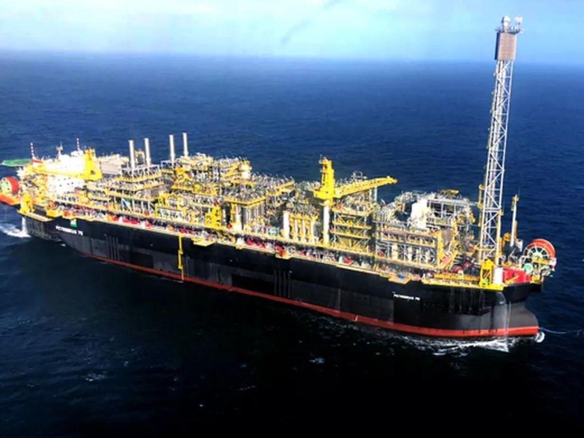 Petrobras lança a FPSO Carioca, o maior navio-plataforma do país