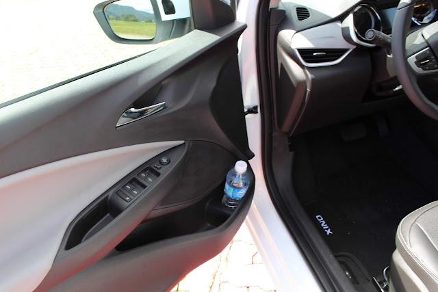 Novo Onix 2020 Sedan (plus) - painel de porta