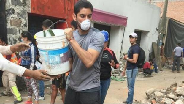 'Chuy' Corona se vistió de héroe tras ayudar a víctimas en Xochimilco