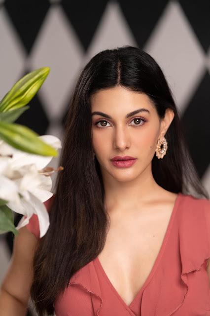 Actress Amyra Dastur Latest Stills Actress Trend