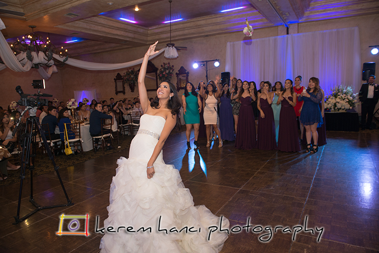 A perfectly captured bouquet toss